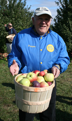 Poppee with his Apples!